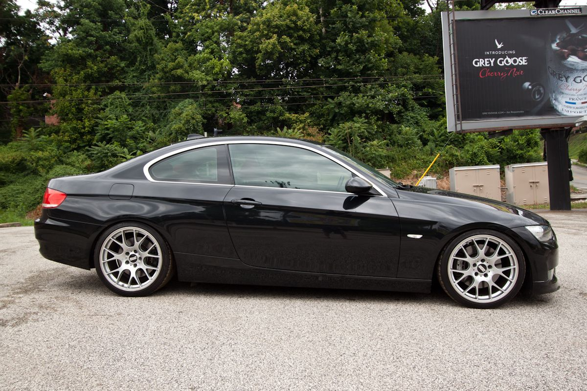 2008 Bmw 335i With Custom Black And Red Wheels Autos Post